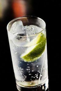 ジントニック,おすすめ銘柄,つまみ,人気ランキング,美味しい作り方,カレーに合うお酒