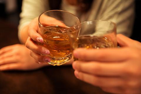 バー,飲み方,注文の仕方,カクテル,オーセンティックバー,正統派,敷居が高い,おすすめ,振る舞い方,大人