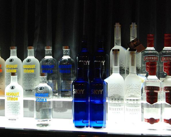 ウォッカ,おすすめ,銘柄一覧,美味しい飲み方,カクテルベース,人気ランキング,スミノフ